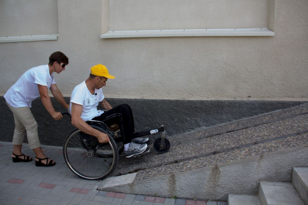 People with disabilities from Moldova make their way to polling stations